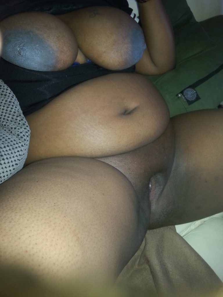naked black hot mamas