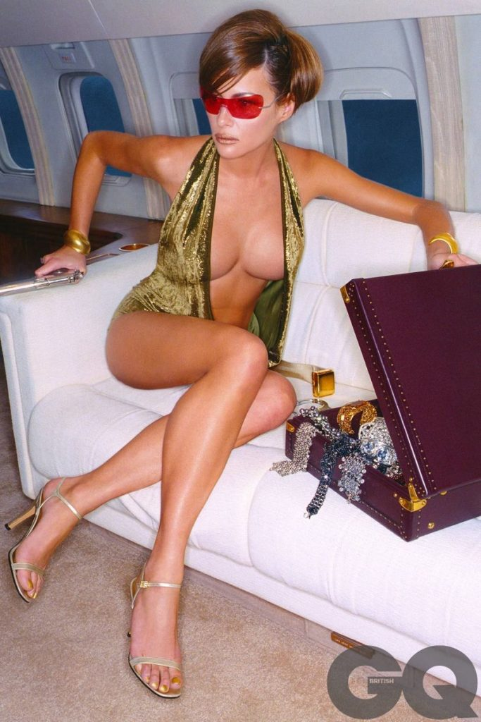 Melania Trump Naked Pictures GO VIRAL after Hubby becomes President