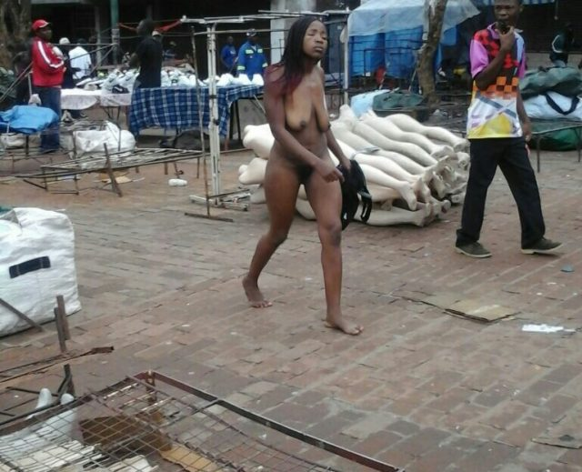 Bulawayo Woman shows Hwindis what NAKED is - Takes off her clothes