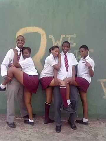 5 Pictures of Mzansi Naughtiest School Girls