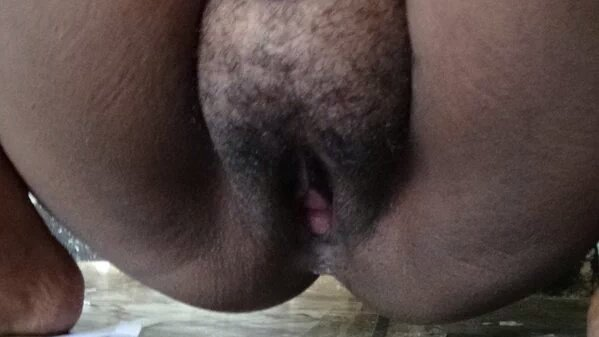 Moms Hairy pussy pic