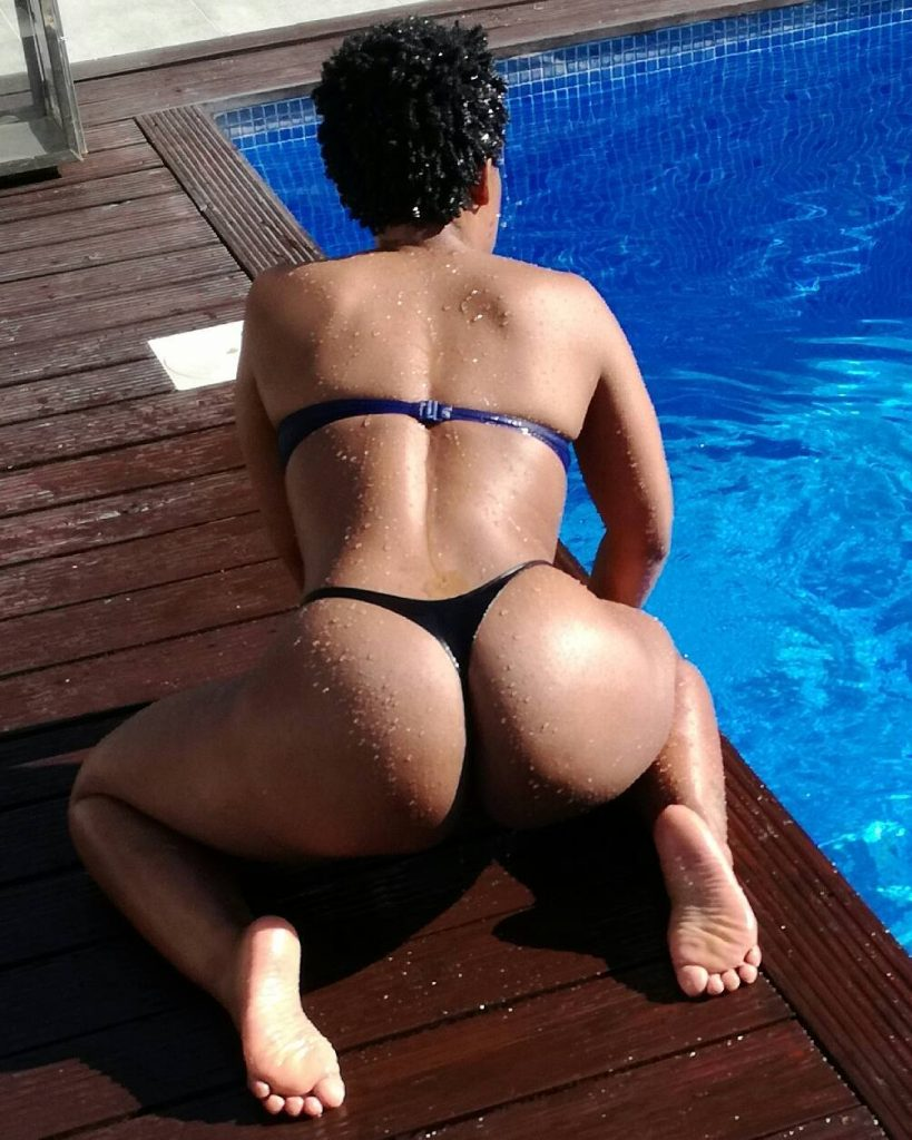 Pool sex in mozambique 7